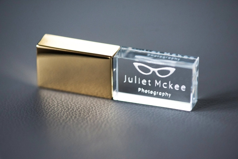 Stylish gold flash drives for wedding photographs